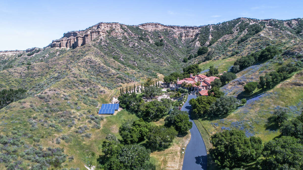 Luxe estate offering over 10 acres and off-the-grid living in Salinas.