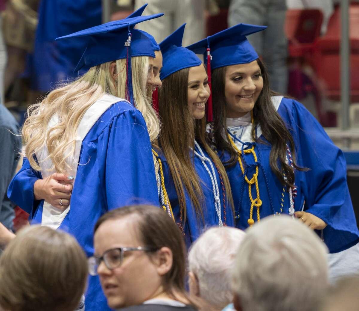 Midland Christian seniors hand out 05/24/19 evening before graduation ceremonies at McGraw Event Center. Tim Fischer/Reporter-Telegram