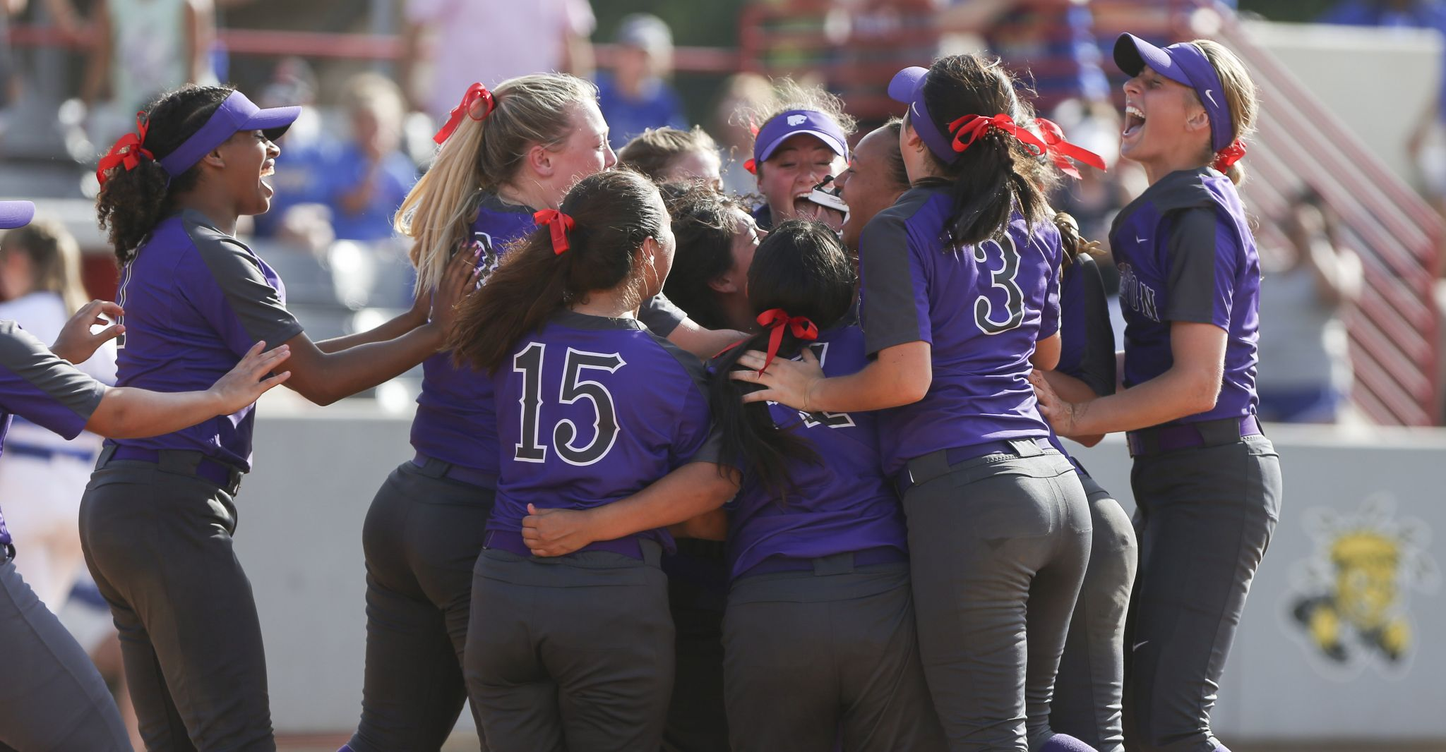 Angleton defeats Barbers Hill, punches ticket to state