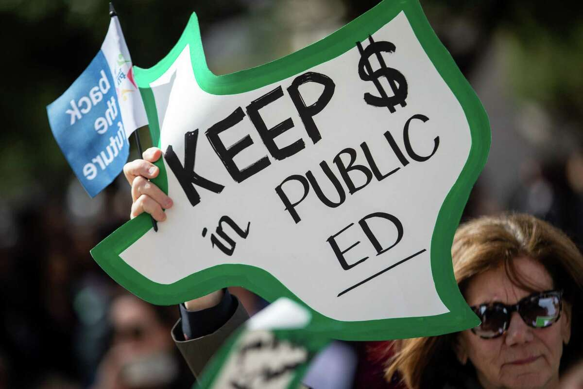 Public education advocates march to the state Capitol for the Texas PTA's Rally Day on Monday, Feb. 25, 2019, in Austin. Participants were advocating for a myriad of issues including school finance reform, school safety and money for special education. (Michael Minasi / For the Chronicle)