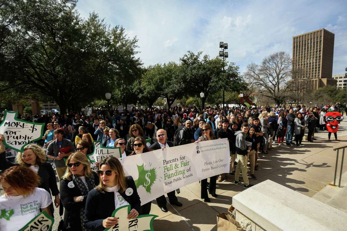 Public education advocates gather on the southern steps of the state Capitol for the Texas PTA's Rally Day on Monday, Feb. 25, 2019, in Austin. Participants were advocating for a myriad of issues including school finance reform, school safety and money for special education. (Michael Minasi / For the Chronicle)