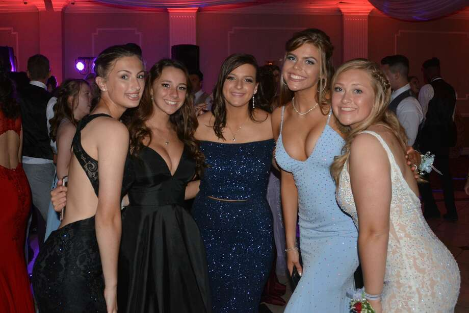 Oxford High School held its prom at La Bella Vista in Waterbury on May 25, 2019. Were you SEEN? Photo: Vic Eng / Hearst Connecticut Media Group