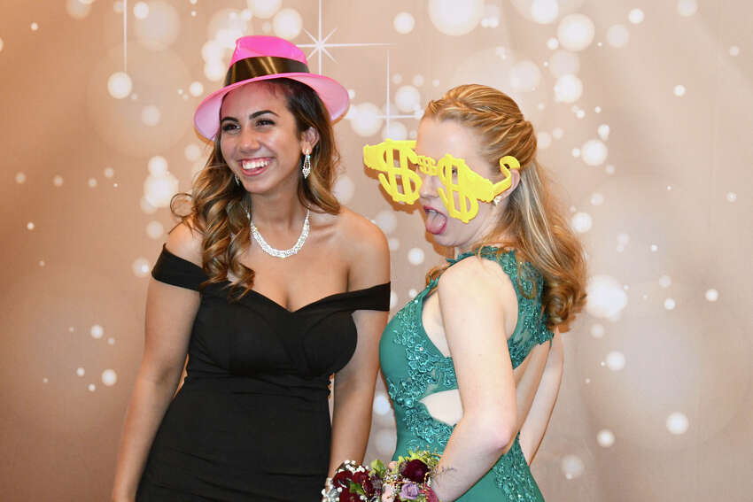 Shepaug Valley School Washington's Shepaug Valley School held its prom at Fairview Farms in Harwinton, Ct on May 25, 2019. Were you SEEN? Click here to see more photos