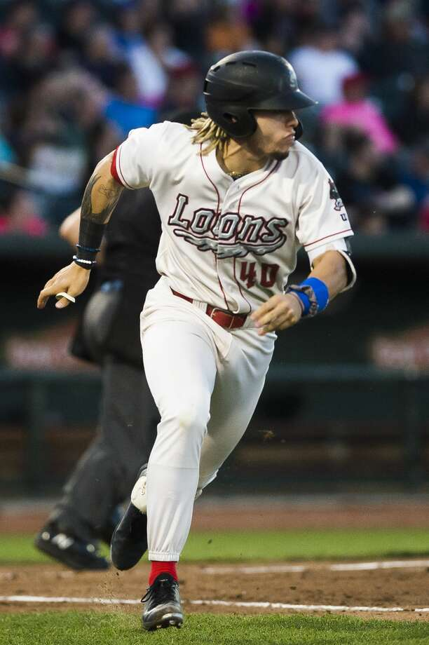 Great Lakes Loons right fielder Niko Hulsizer runs toward first base during a game against the Fort Wayne Tincaps on Saturday, May 25, 2019 at Dow Diamond. (Katy Kildee/kkildee@mdn.net) Photo: (Katy Kildee/kkildee@mdn.net)
