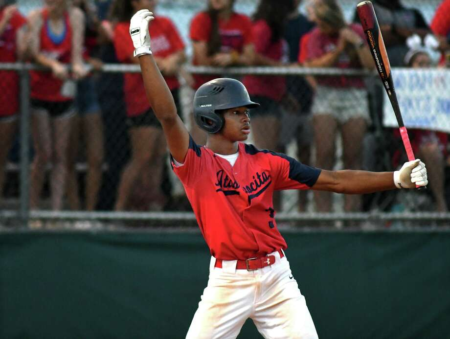 Atascocita hitter Brice Matthews works during his at bat against Ridge Point during the top of the 4th inning of game two of their Region III-6A Semi-final playoff matchup at Ridge Point High School on May 24, 2019. Photo: Jerry Baker, Houston Chronicle / Contributor / Houston Chronicle