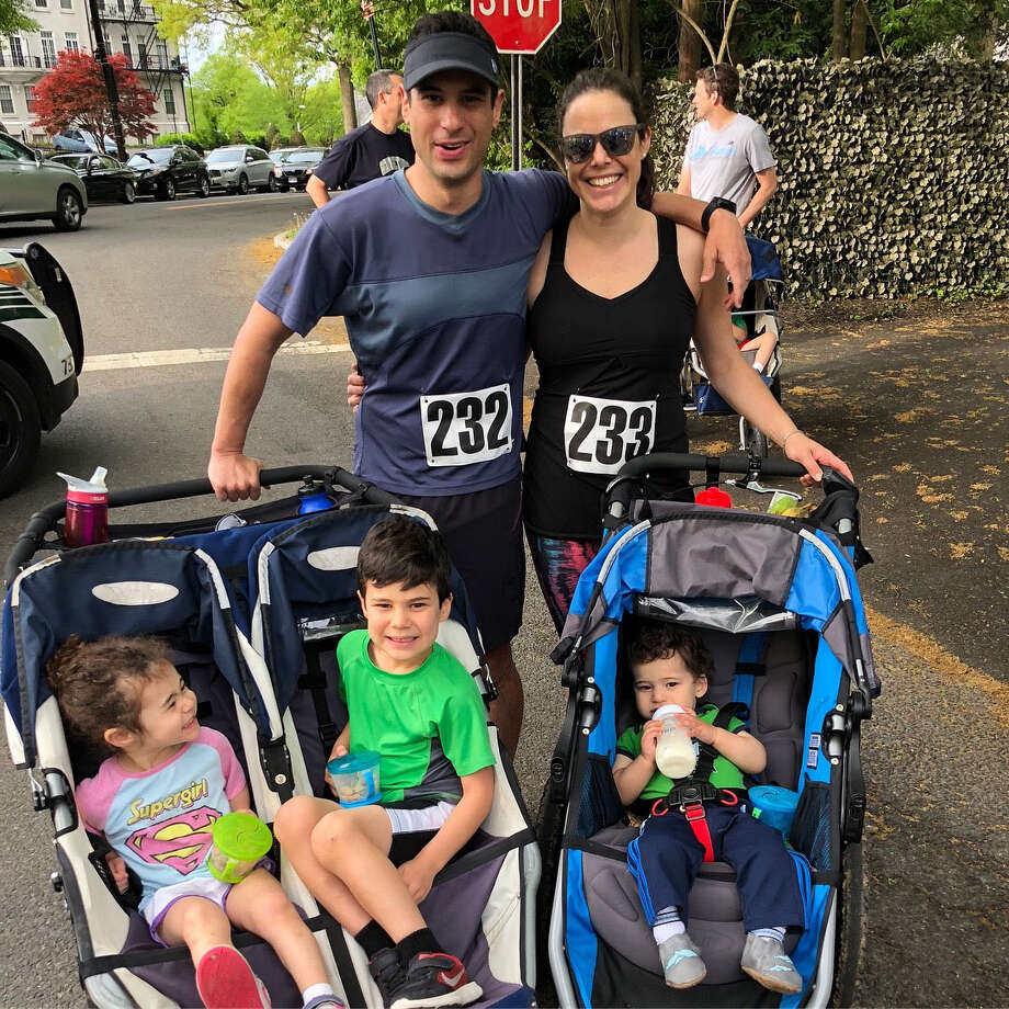 Michael Zelin and wife Lauren Zelin with their children days before Zelin visited the emergency room for soreness in his arm. Photo: Family Photo / Family photo