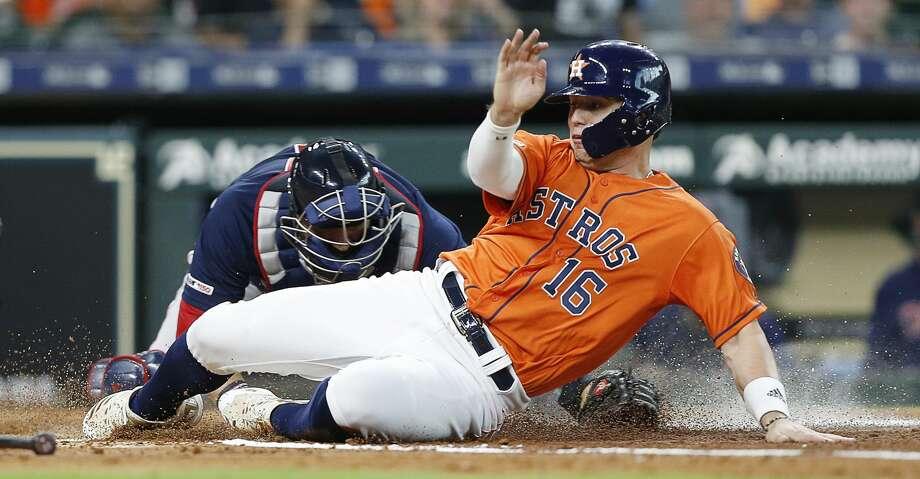 Aledmys Díaz exits Astros-Red Sox game with hamstring discomfort