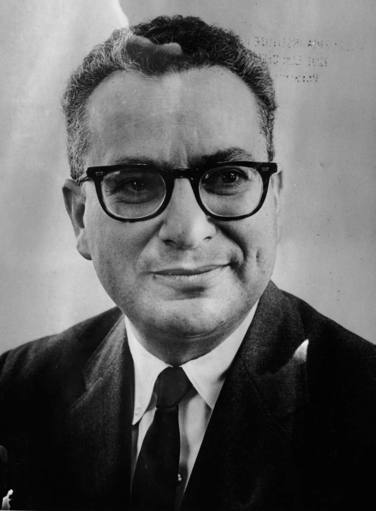 Portrait of Dr Murray Gell-Man, winner of the Nobel Prize for Physics, New York, November 13th 1969. (Photo by Keystone/Pictorial Parade/Getty Images)