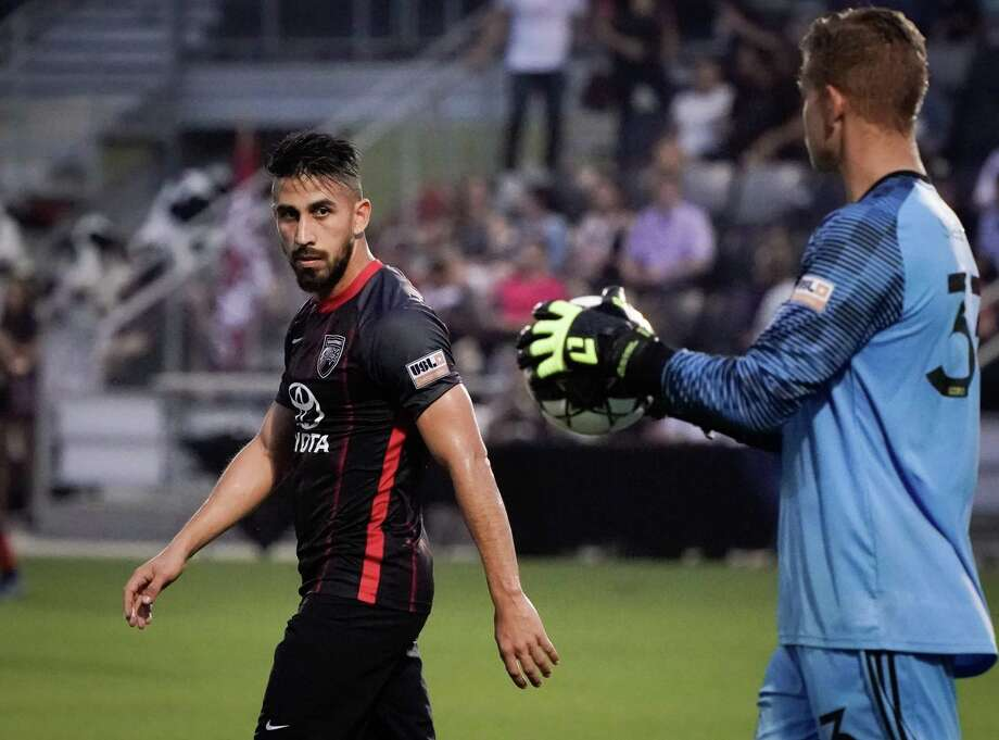 Ever Guzman, left, scored San Antonio FC's only goal during the team's fifth straight road loss on Saturday, a 3-1 defeat at Rio Grande Valley FC in Edinburg. Photo: Darren Abate / Darren Abate /USL Championship / Darren Abate Media, LLC