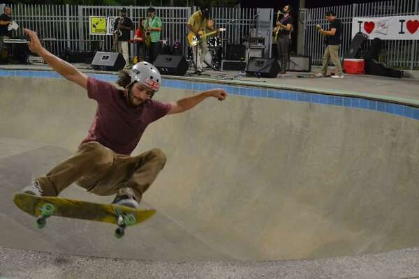 8165379b 1of3Skater and band perform at Jamail Skatepark in HoustonPhoto: Steve  Wiggington