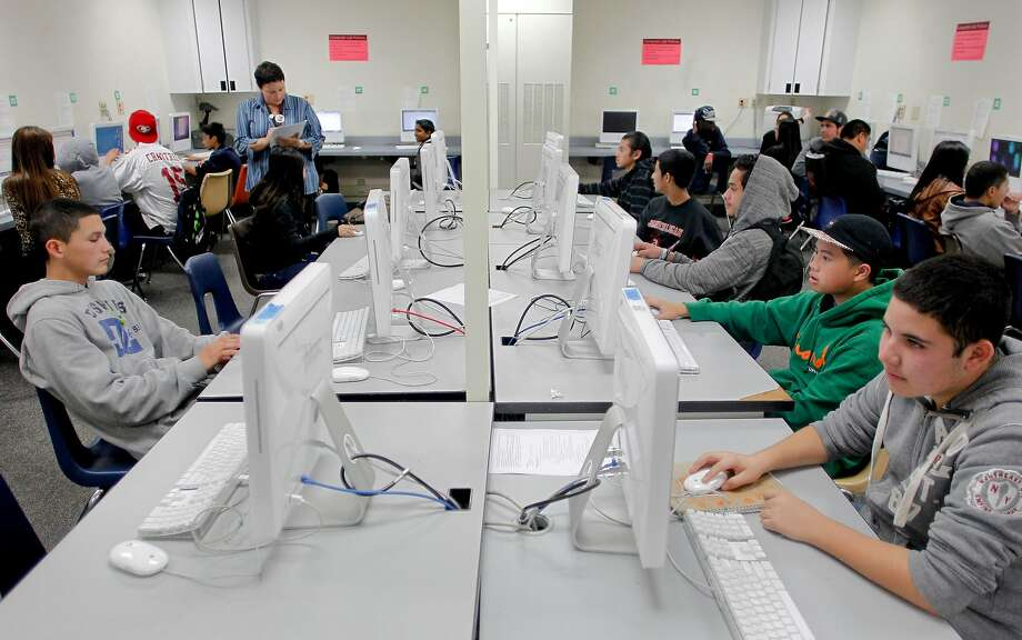 Students in Michelle Galaria's biology class at work on computers building a graph at James Logan High School in Union City, Calif. on Tuesday Dec. 11, 2012. Talks in the New Haven Union School District teachers strike broke down Monday. Photo: Michael Macor, The Chronicle