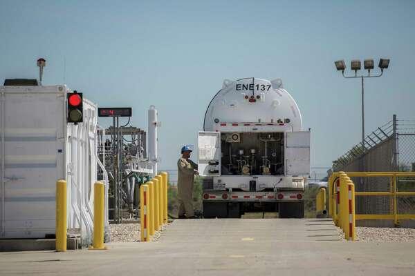 Energy exports help Laredo to become top U S  trade hub