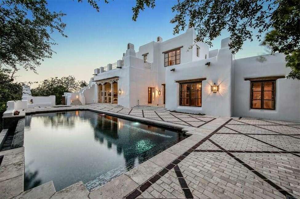 10 Davenport 4 bedrooms/6 full baths, 2 partial baths Price: $8,900,000