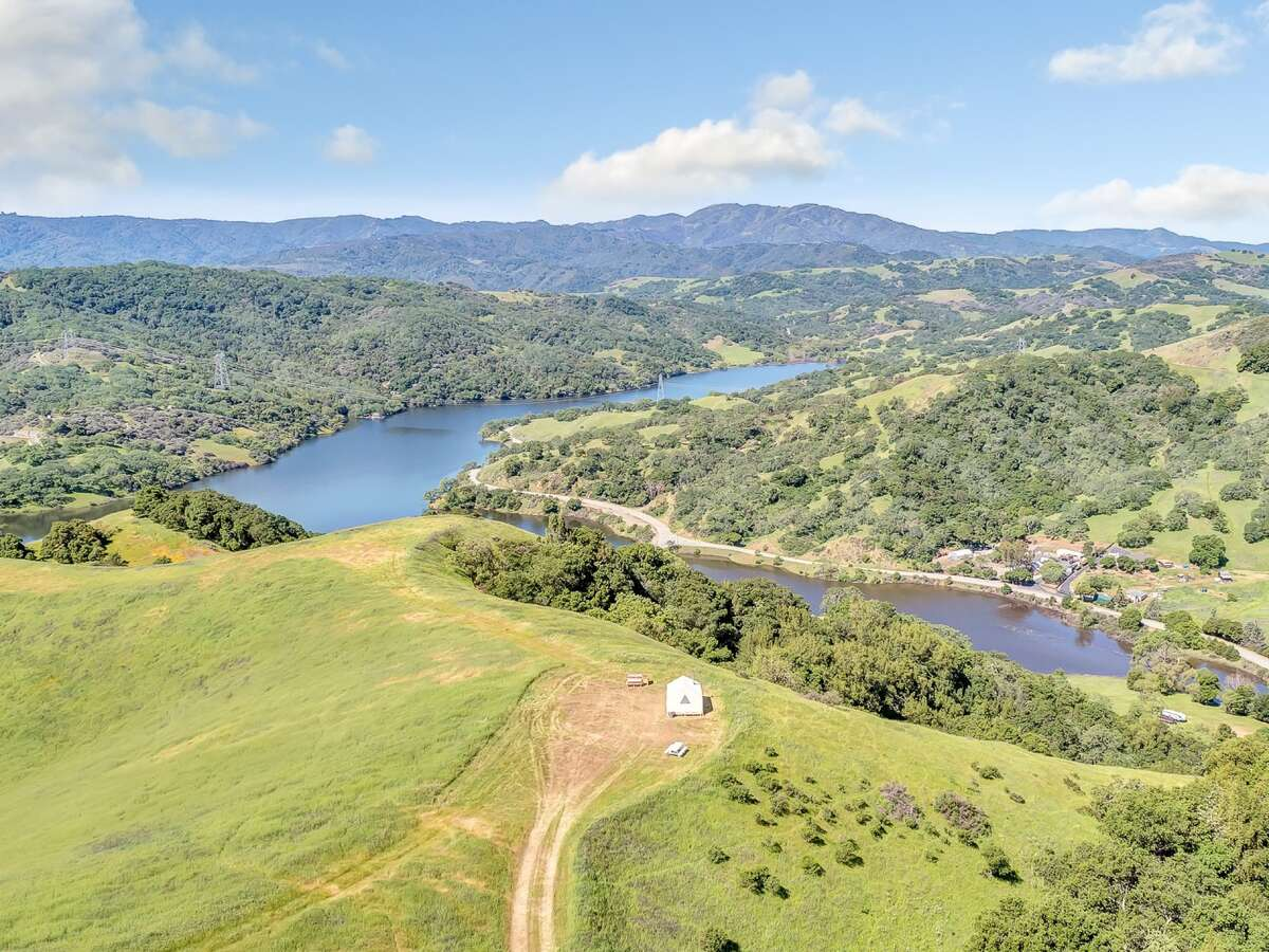 Willow Spring Ranch Hilltop sits atop a range overlooking El Toro Mountain, Morgan Hill Valley and the Chesbro Reservoir. The nightly rates is $99.