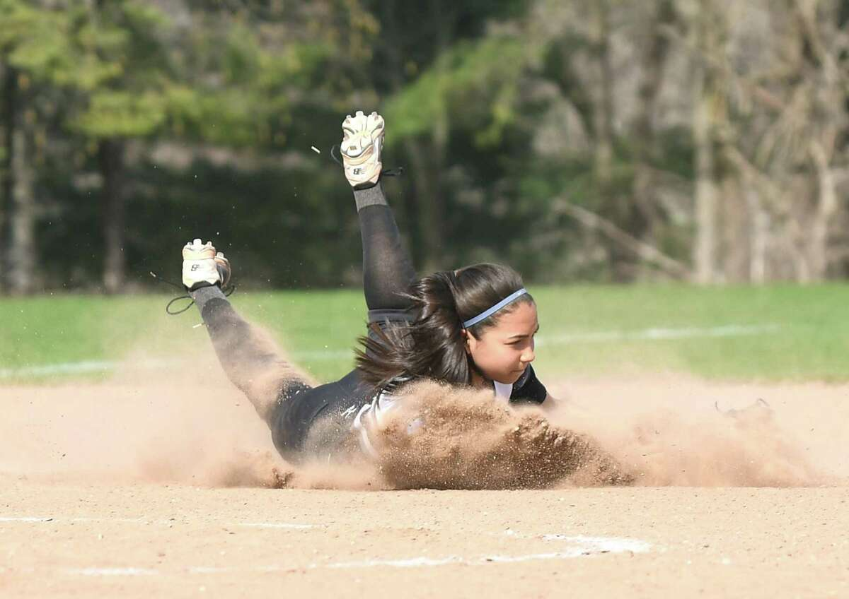 Barlow's Abby Ota fields the ball during a game against Barlow May 2 in Monroe.