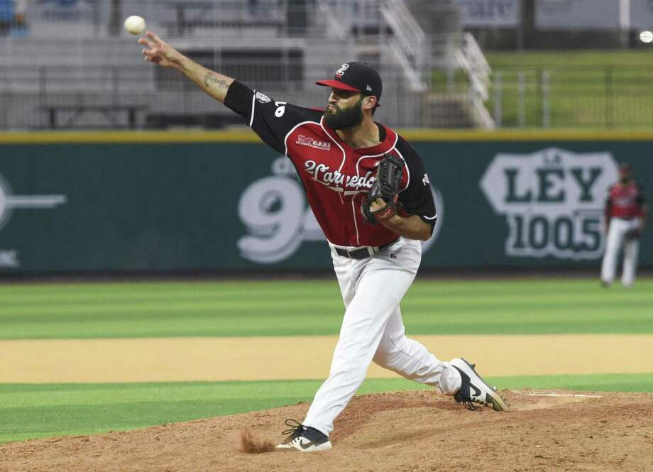 Kenneth Sigman pitched 5.1 innings as he allowed two runs on six hits while striking out three in the Tecolotes' game against Saltillo Tuesday. Photo: Danny Zaragoza /Laredo Morning Times