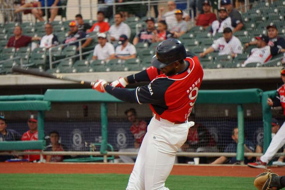 Tecolotes Dos Laredos right fielder Domonic Brown was placed on the IL June 19 with an ulnar styloid fracture in his left hand. He has begun swinging a bat and could return to the lineup as early as next week. Photo: Courtesy Of The Tecolotes Dos Laredos /file