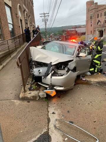 Car crash into Valley YMCA in Ansonia sends one to hospital