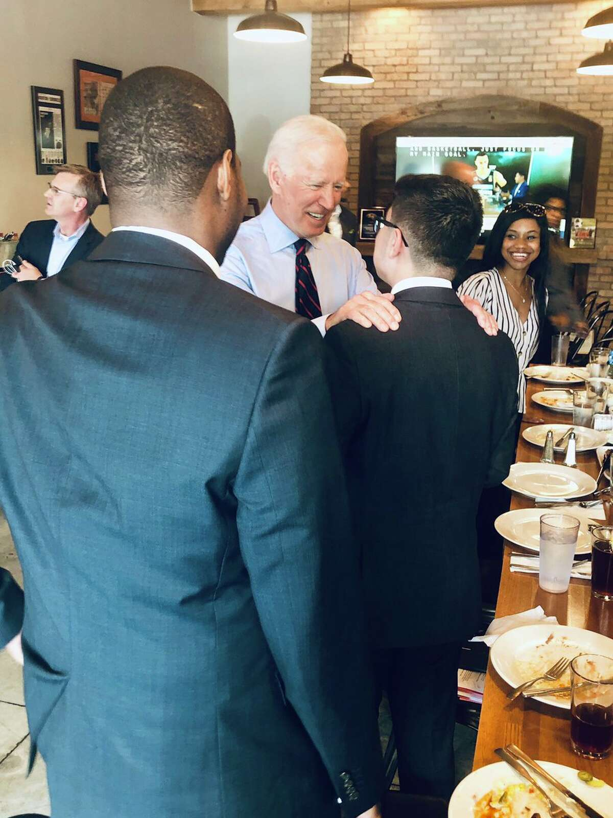@HoustonISD Former Vice President @JoeBiden and @DrBiden spoke with #HISD students about the impact of their teachers in their every day life, as well as @HISD_NHECHS partnership with @HCCDistrict! #HISDEmpowers