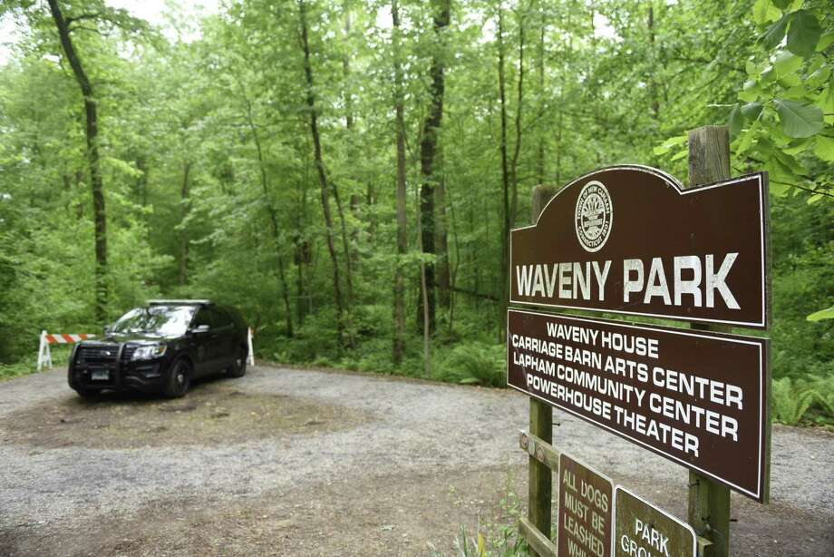 Police block off trails as they search for missing person Jennifer Dulos on the southern end of Waveny Park in New Canaan on May 29. Photo: Tyler Sizemore / Hearst Connecticut Media File Photo / Greenwich Time