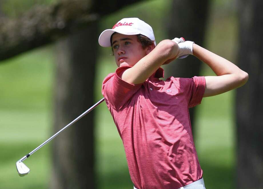 Greenwich's Tyler Donnellan won the Hap Holohan Invitational Tuesday at Woodway Country Club in Darien. Photo: Tyler Sizemore / Hearst Connecticut Media / Greenwich Time