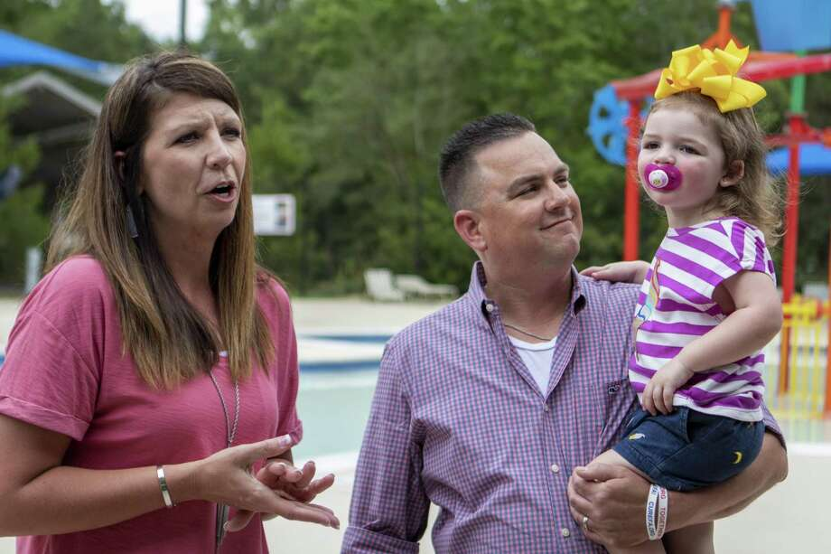From left, Loretta Machann and Allan Machann tell the story of Lilly Machann, 2, drowning accident during a water safety and drowning prevention media day Wednesday, May 29, 2019 at Bear Branch Pool in The Woodlands. Photo: Cody Bahn, Houston Chronicle / Staff Photographer / © 2018 Houston Chronicle