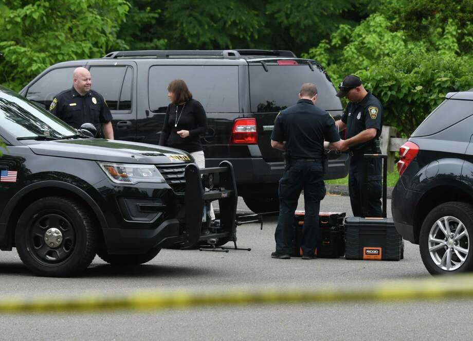 Search For Jennifer Dulos Leads To Parents' Home In Pound