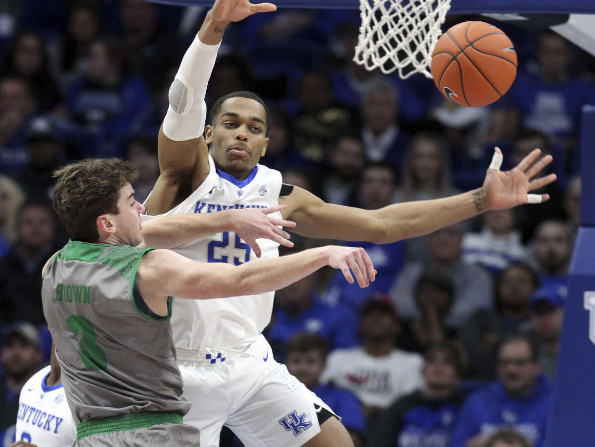 P.J. Washington College: Kentucky Ht: 6-7 Wt: 230 Pos: SF/Pf Age: 20 Washington is a skilled offensive player and a frequent double-double threat. Read more about him here.