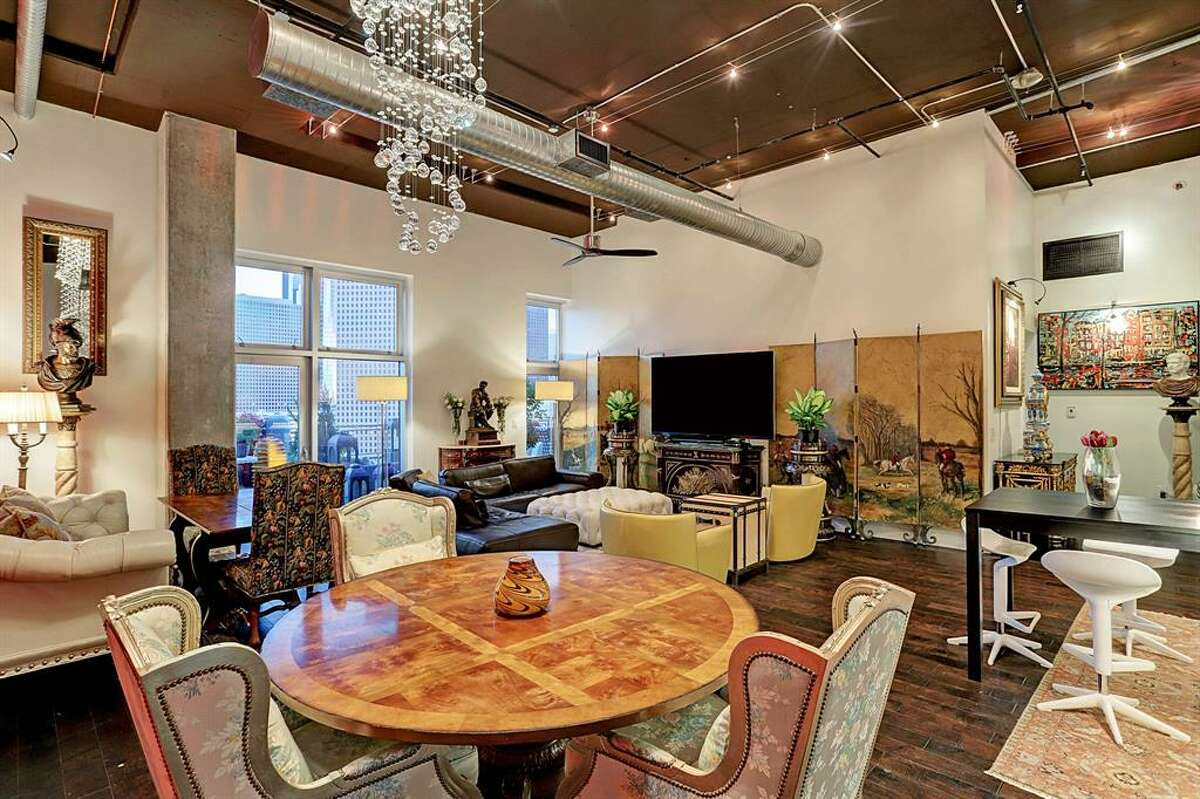 RISE Lofts2000 Bagby Street #15400, Houston / $1.3 million2,359 square feet2-3 bedroom / 2 bathroom