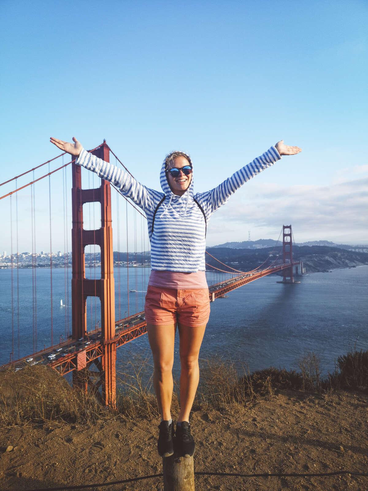 Hernandez on why this stock Golden Gate Bridge photo works: