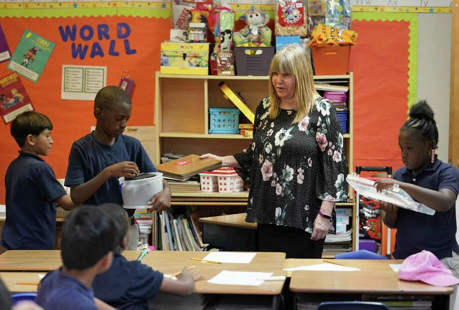 Teacher Debra Perdue talks to her third grade class at Texas Serenity Academy, 8787 North Houston Rosslyn Road, Wednesday, May 29, 2019, in Houston. Photo: Melissa Phillip, Houston Chronicle / Staff Photographer / © 2019 Houston Chronicle