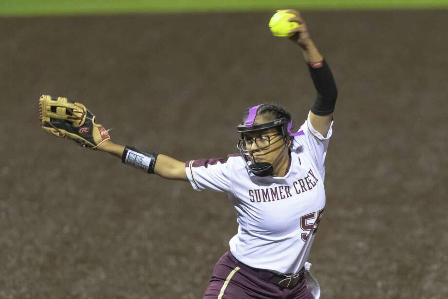 Summer Creek's Dani Moreno (55) winds up for a pitch in the late innings of an area round high school softball playoff game at Humble High School on Friday, May 3, 2019, in Humble, Texas. Photo: Joe Buvid, Houston Chronicle / Contributor / © 2019 Joe Buvid