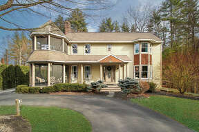 House of the Week: 10 Bluebird Court, Saratoga Springs | Realtor: Angela Brady of Equitas Realty | Discuss: Talk about this house