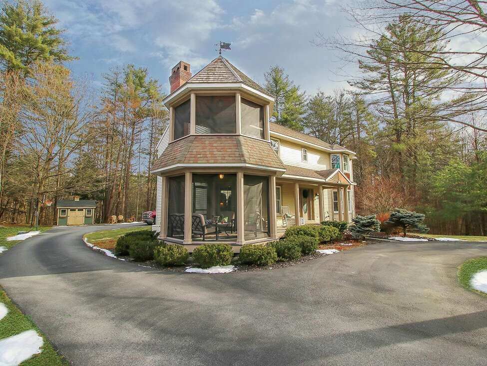 House of the Week: 10 Bluebird Court, Saratoga Springs   Realtor: Angela Brady of Equitas Realty   Discuss: Talk about this house