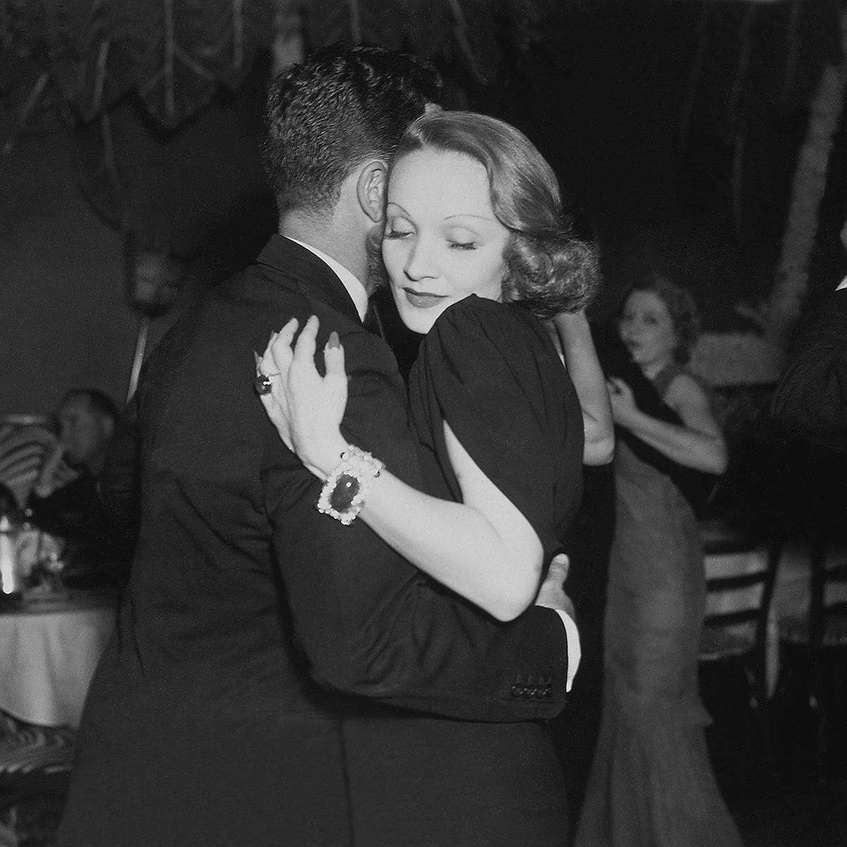 Zerbe photograph of actress Marlene Dietrich at El Morocco.