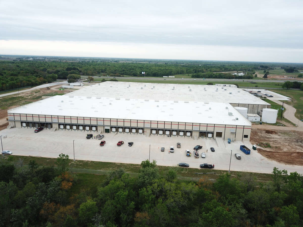 An expansion of the Gulf States Toyota's Parts Distribution Center increased the size of the facility by 40 percent to 426,000 square feet. The facility is at 5614 Interstate 10 in Sealy.