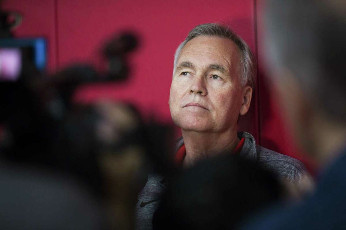 Mike D'Antoni couldn't reach a deal on an extension with the Rockets so he will coach in the final year of his original contract for next season.