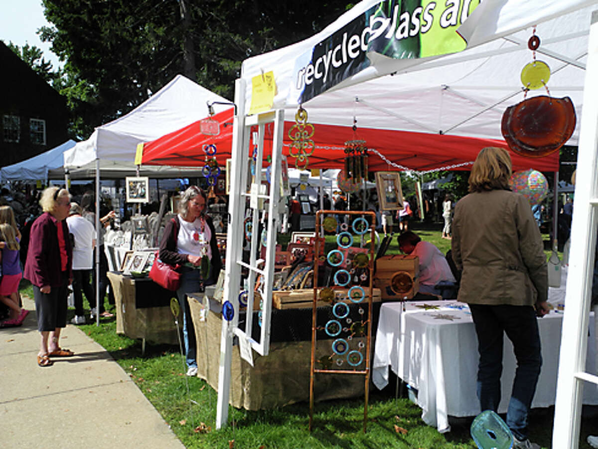 Vendors specialized in everything, from glass to jewelry, painting and more.