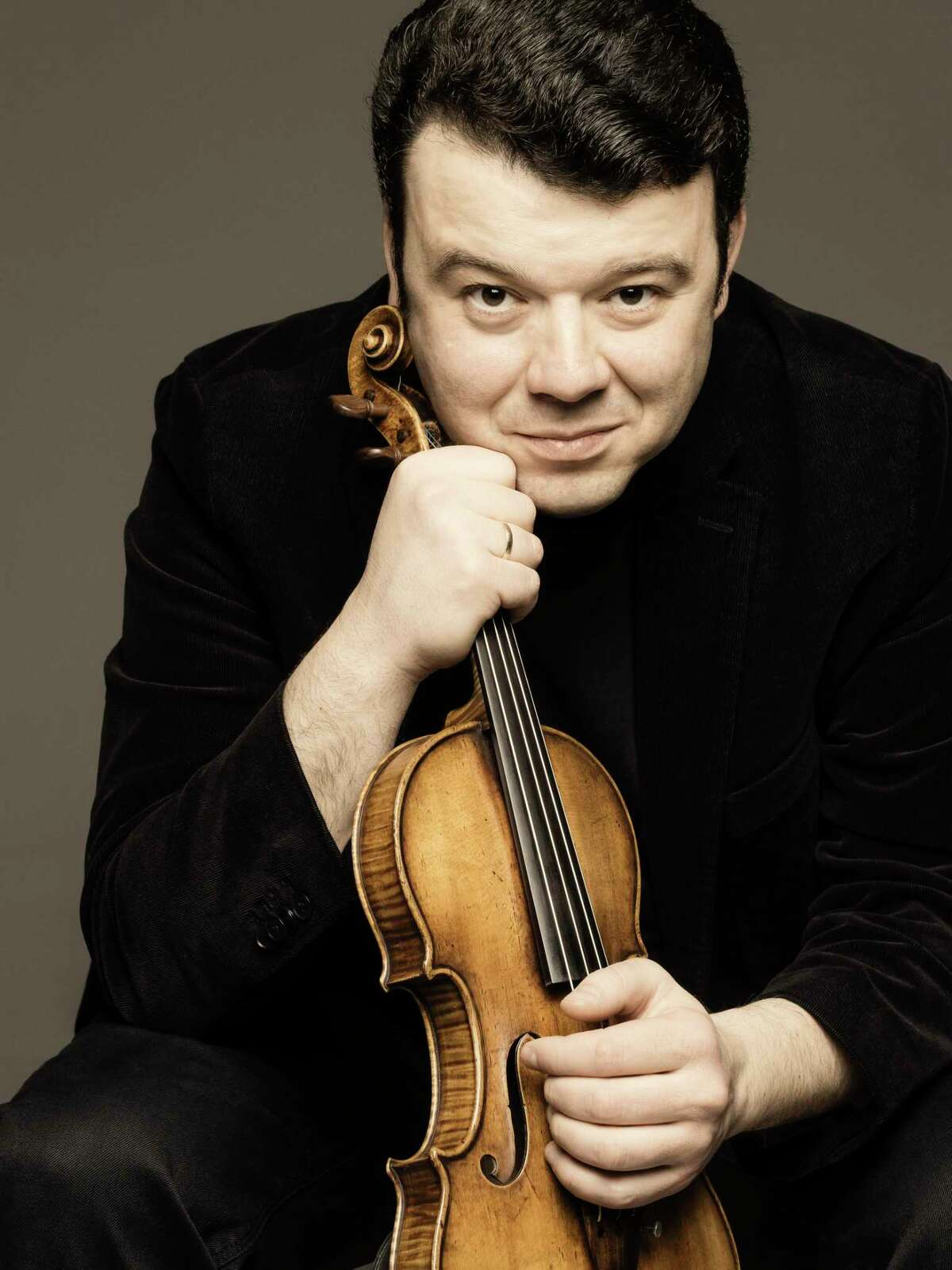 Violinist Vadim Gluzman is one of dozens of classical music artists enlisted by conductor Sebastian Lang-Lessing for VirtuMasterClass.