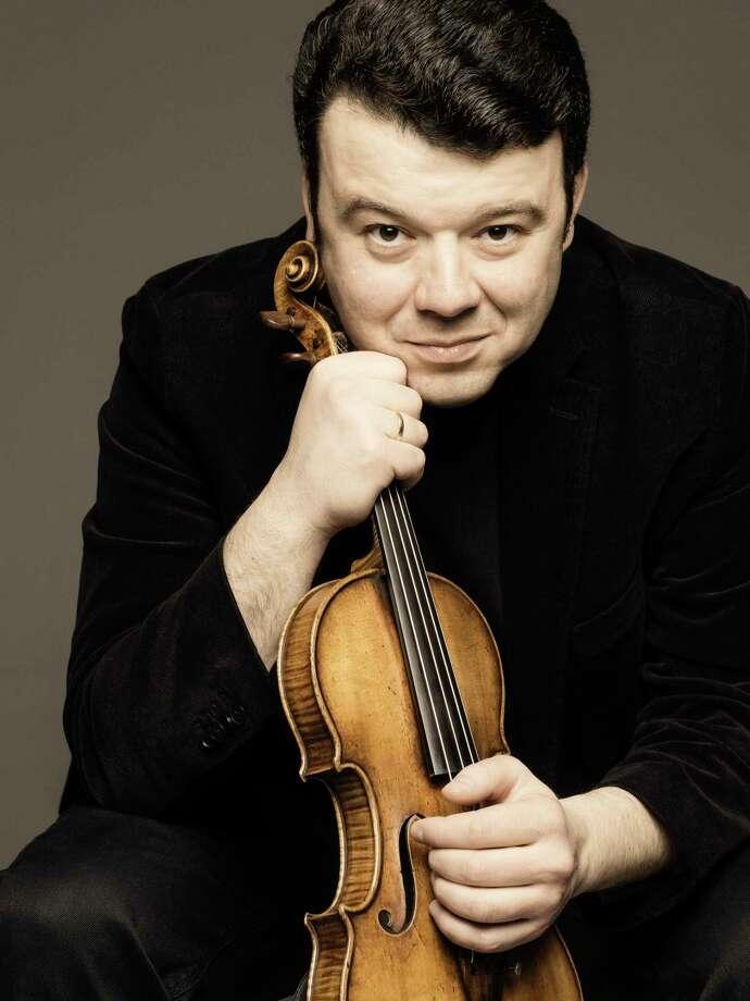 Violinist Vadim Gluzman Photo: Marco Borggreve / www.marcoborggreve.com