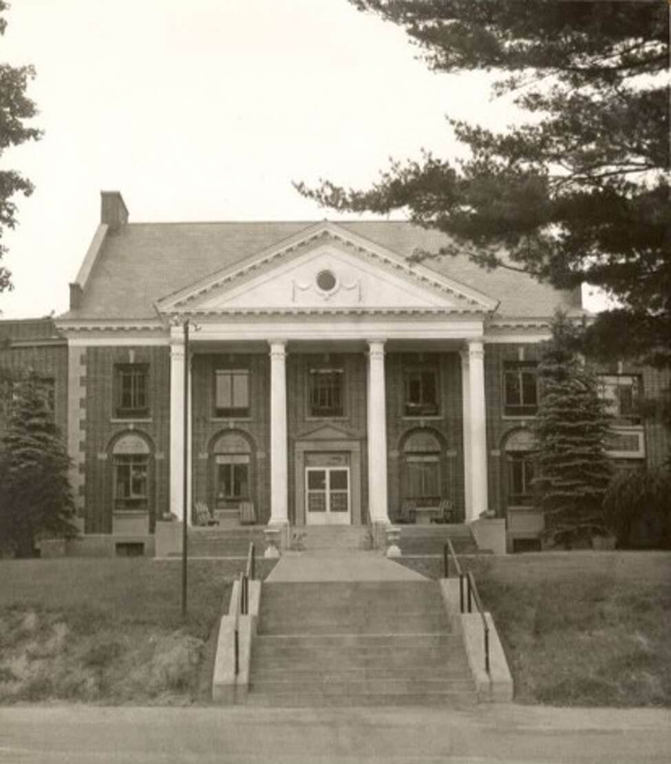 The exterior of The Homestead before it crumbled under neglect. (Saratoga County Historian)