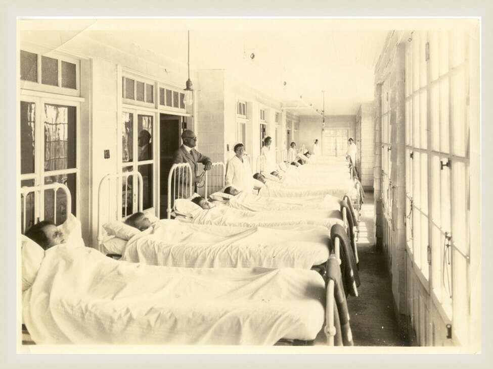 Sun was considered therapeutic at the Homestead where patients were often placed on an enclosed porch to take it in. Bed rest was also an important part of the treatment for tuberculosis. (Saratoga County Historian)