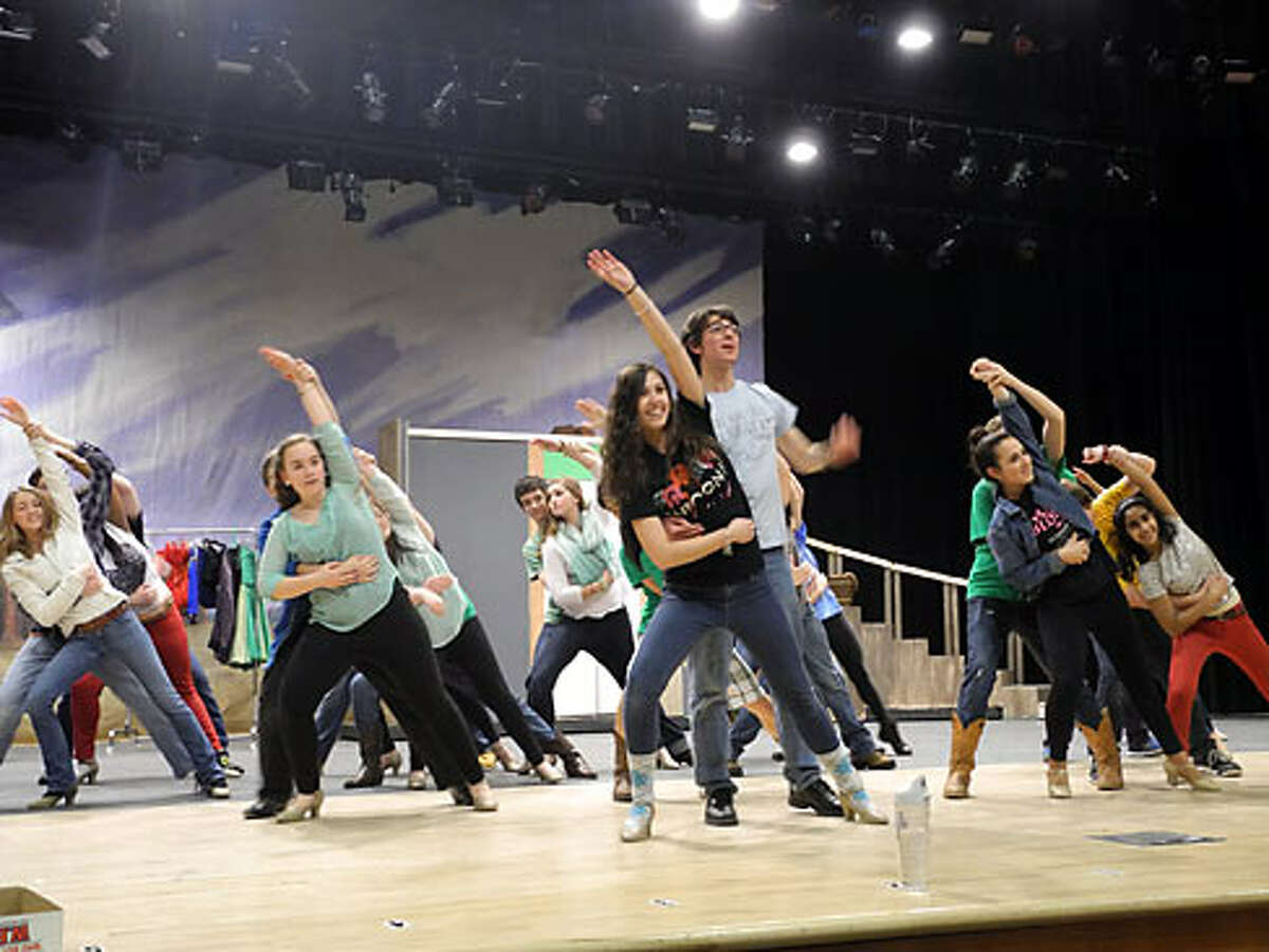 The musical features tap dancing, classic comedy and timeless showtunes.
