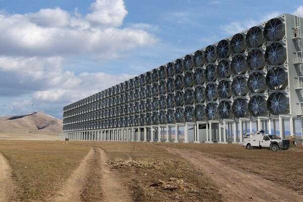The Carbon Capture Coalition has issued a blueprint for federal policies that would encourage the expansion of carbon capture, transportation and reuse by helping develop technology such as Carbon Engineering's pilot direct air capture plant north of Vancouver.