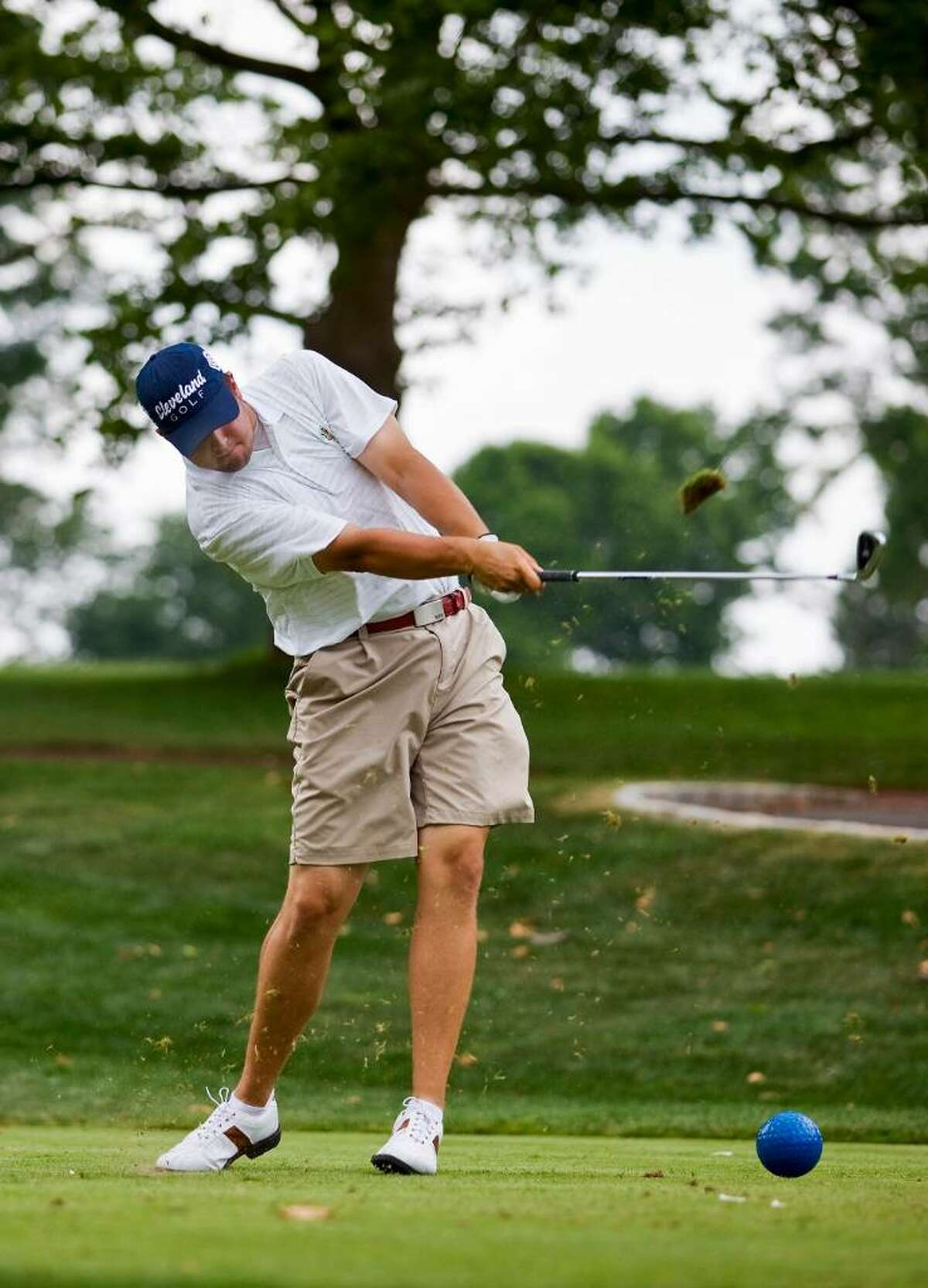 Mike Ballo Jr. drives the par three fourth hole at the 55th Ike Championship at Metropolis Country Club in White Plains, N.Y. Andrew Sullivan for The Advcoate/ Greenwich Time