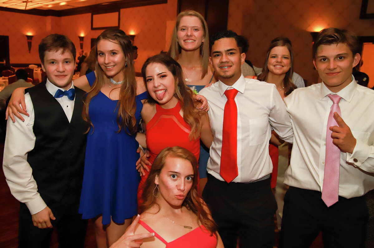 Fairfield Ludlowe High School held its prom at the Trumbull Marriott on May 31, 2019. Were you SEEN?