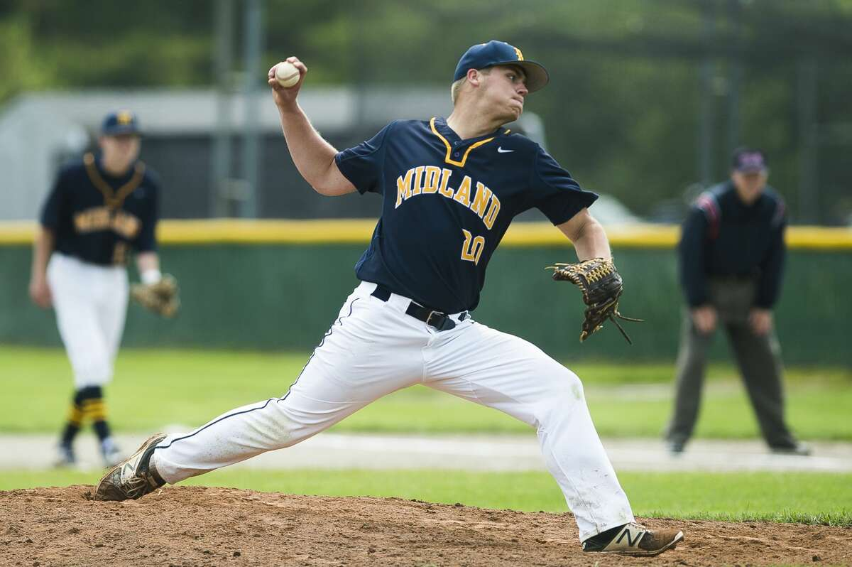 Midland's Jeff Landis pitches the ball during a game against Dow on Saturday, June 1, 2019 at H. H. Dow High School. (Katy Kildee/kkildee@mdn.net)