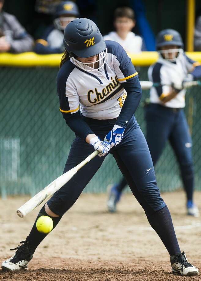 Midland's Sydney Miller swings on a pitch during a game against Bay City Western on Saturday, June 1, 2019 at H. H. Dow High School. (Katy Kildee/kkildee@mdn.net) Photo: (Katy Kildee/kkildee@mdn.net)