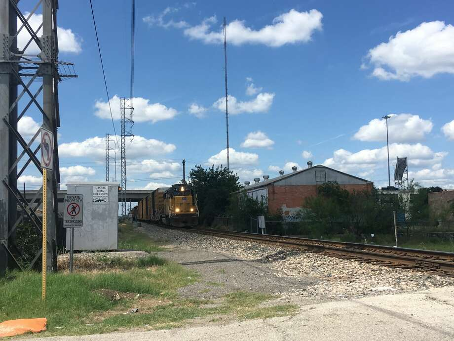 A man was killed after he was struck by a train near West Poplar and North Frio streets Sunday afternoon, June 2, 2019, according to San Antonio Police. Photo: Liz Teitz