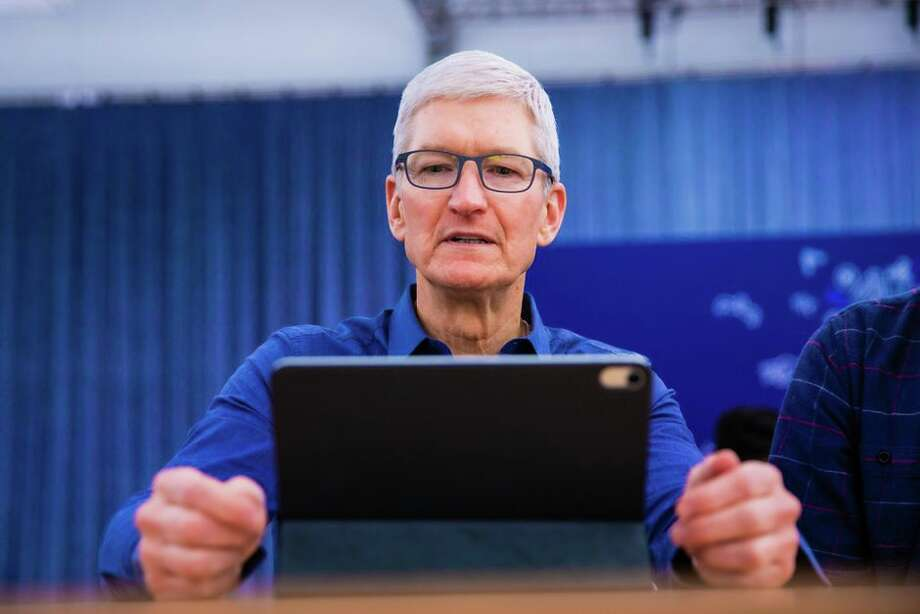 Apple CEO Tim Cook. Photo: James Martin/CNET